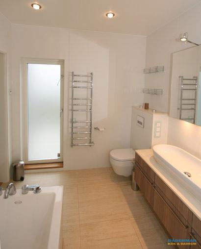 Stilren och nyskapande badrumsrenovering i Botkyrka